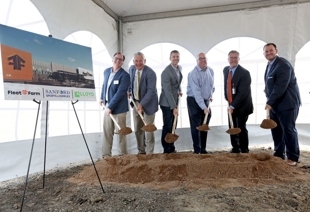Lloyd Companies breaks ground on Sioux Falls Fleet Farm
