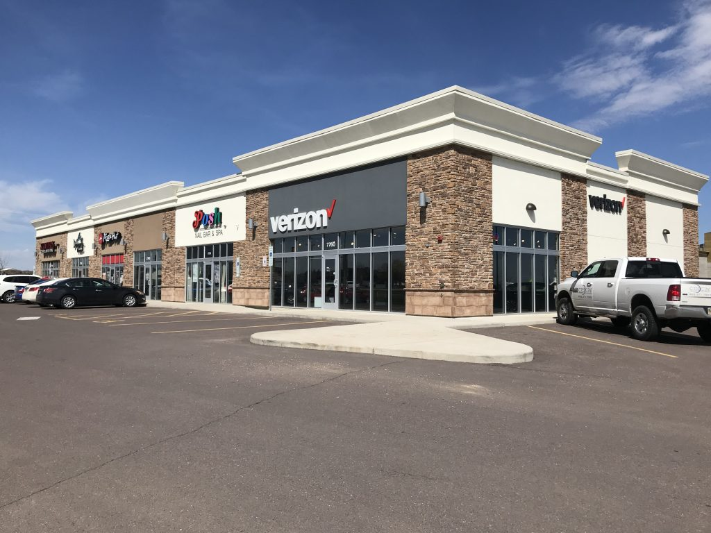 Dakota Crossing Retail Space