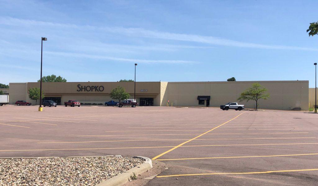 4501 E Arrowhead Parkway – Under Contract